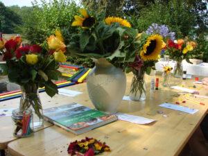 Mit Blüten malen – Kunstworkshop @ Müllerhof Garten